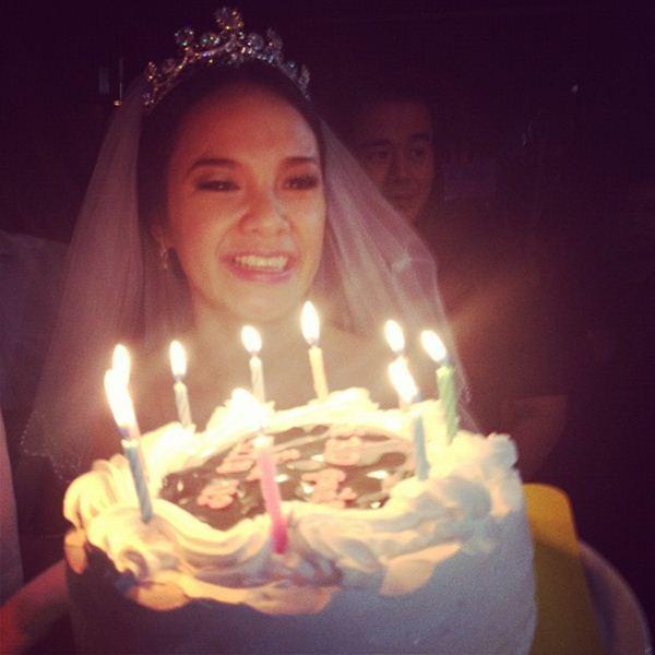 กีตาร์ ศิริพิชญ์ ชวนเพื่อนสาวมาฮาเฮ เป่าเค้กวันเกิด